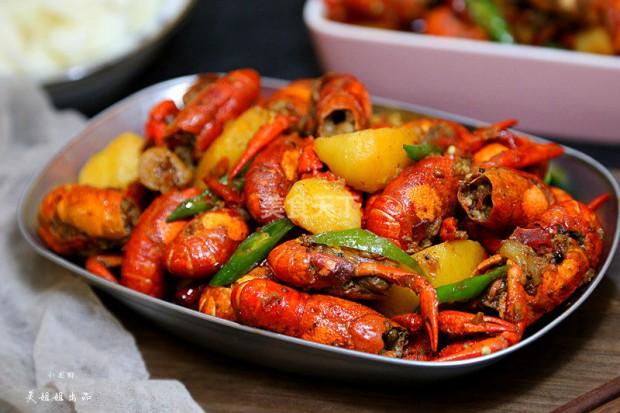 这个吃法可以有!小龙虾烧土豆