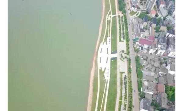 会龙山大桥至龙洲大桥北岸风貌带主体工程完工