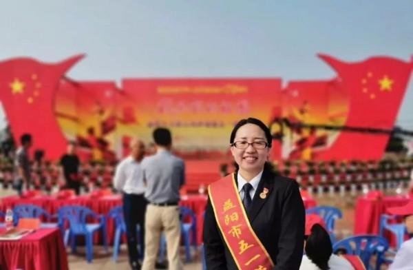 吕志荣:服务员工的贴心人